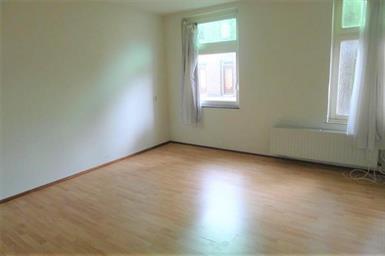 Kamer in Maastricht, Meester Ulrichweg op Kamernet.nl: Ruime kamer met eigen wastafel en laminaatvloer