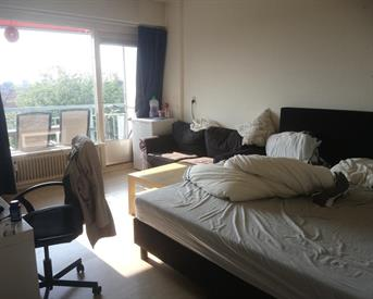 Kamer in Amsterdam, Burgemeester Hogguerstraat op Kamernet.nl: Spacious fully furnished bedroom