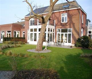 Kamer in Nuenen, Berg op Kamernet.nl: Stijlvol wonen in een monumentale notariswoning