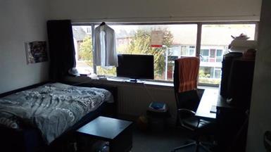 Kamer in Tilburg, Abdij van Averbodestraat op Kamernet.nl: Ruime kamer op de derde verdieping