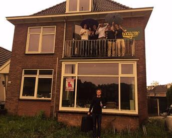 Kamer in Enschede, Hengelosestraat op Kamernet.nl:  Ruime kamer op een gezellig en actief huis.