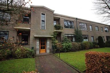 Kamer in Hilversum, Bergweg op Kamernet.nl: Monumentale benedenwoning met privacyvolle tuin!