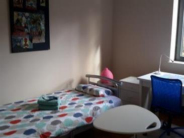 Kamer in Ottignies-Louvain-la-Neuve, Rue Michel de Ghelderode op Kamernet.nl: Comfortabele en lichte kamer