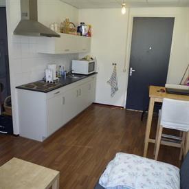 Kamer in Tilburg, Wittebollestraat op Kamernet.nl: Studio met eigen keuken, aparte berging en badkamer