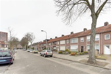 Kamer in Eindhoven, Tinelstraat op Kamernet.nl: Recent volledig gerenoveerde hoekhuis