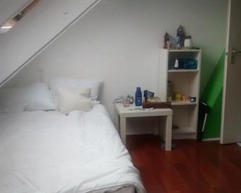 Kamer in Enschede, Hengelosestraat op Kamernet.nl: Summer Room for Rent (Jul/Aug)