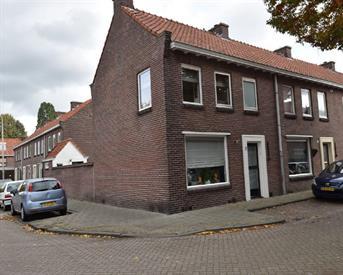 Kamer in Tilburg, Frans de Basstraat op Kamernet.nl: Gemeubileerde kamer 11m2