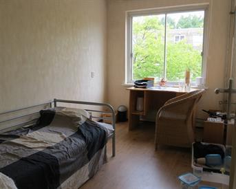 Kamer in Amsterdam, Daniel Defoelaan op Kamernet.nl: Nette kamer in lichte stud. flat ongemeubileerd