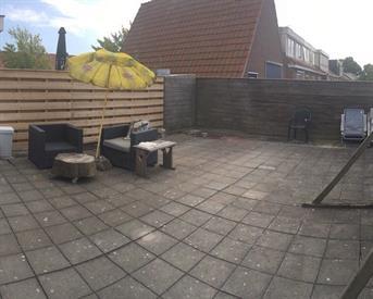 Kamer in Leeuwarden, Hobbemastraat op Kamernet.nl: Kamer in ruim appartement, alleen vrouwen