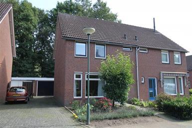 Kamer in Boekel, De Platanen op Kamernet.nl: Zeer nette tweekapper met oprit en garage