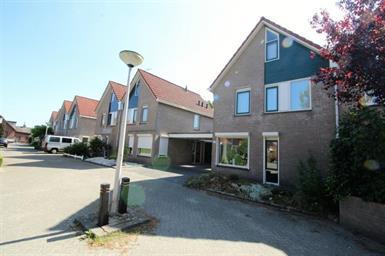 Kamer in Hengelo, Plataanstraat op Kamernet.nl: Gemeubileerde 2-onder-1-kap woning