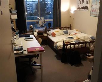 Kamer in Amsterdam, Heesterveld op Kamernet.nl: Tijdelijk, vrouw, 12m2, €300, ZUID-OOST