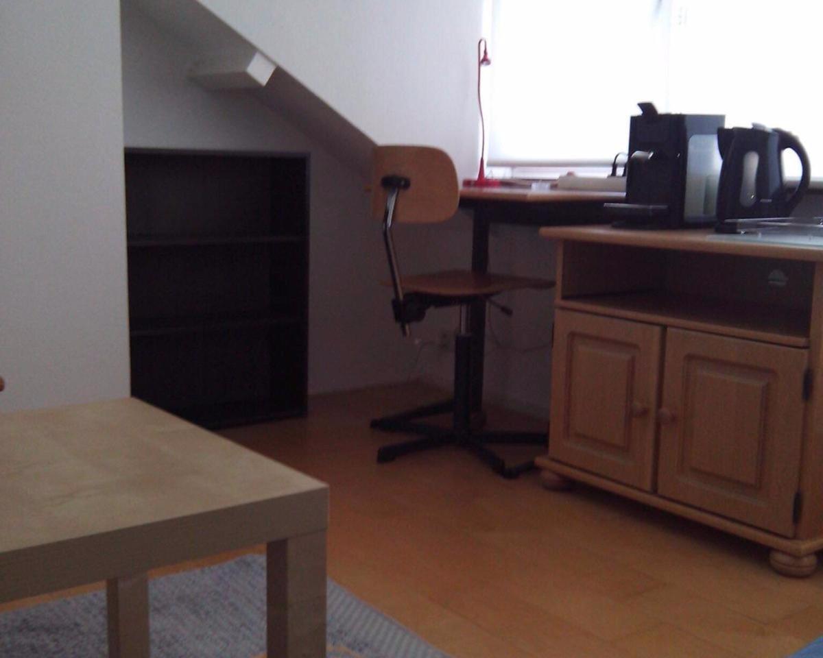 Kamer aan Sweelincklaan in Groningen