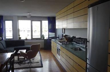 Kamer in Amsterdam, Stuurmankade op Kamernet.nl: Appartement met waanzinnig uitzicht