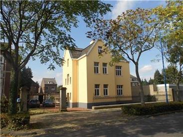 Kamer in Kerkrade, Nieuwstraat op Kamernet.nl: Unieke vrijstaande monumentale villa