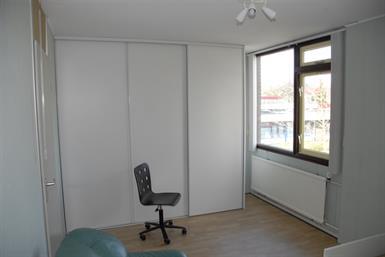 Kamer in Delft, Rossinistraat op Kamernet.nl: ruime kamer eengezinswoning met 3 andere studenten