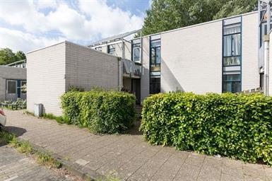 Kamer in Almere, Eemplein op Kamernet.nl: Tweekamer appartement op de begane grond