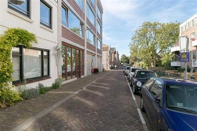 Kamer in Utrecht, Gruttersdijk op Kamernet.nl: Prachtig en licht appartement met breed en zonnig balkon