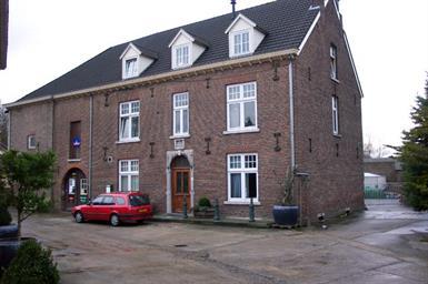Kamer in Meerssen, Molenveldweg op Kamernet.nl: ruime studio met eigen keuken