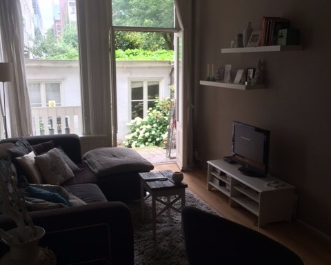 Kamer aan Kwakersstraat in Amsterdam