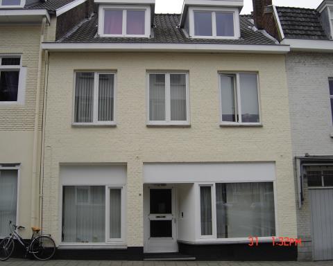 Kamer aan Dorpstraat in Maastricht