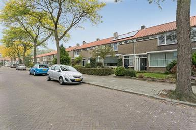 Kamer in Eindhoven, van Aitzemastraat op Kamernet.nl: Ruime tussenwoning, gelegen in Woensel