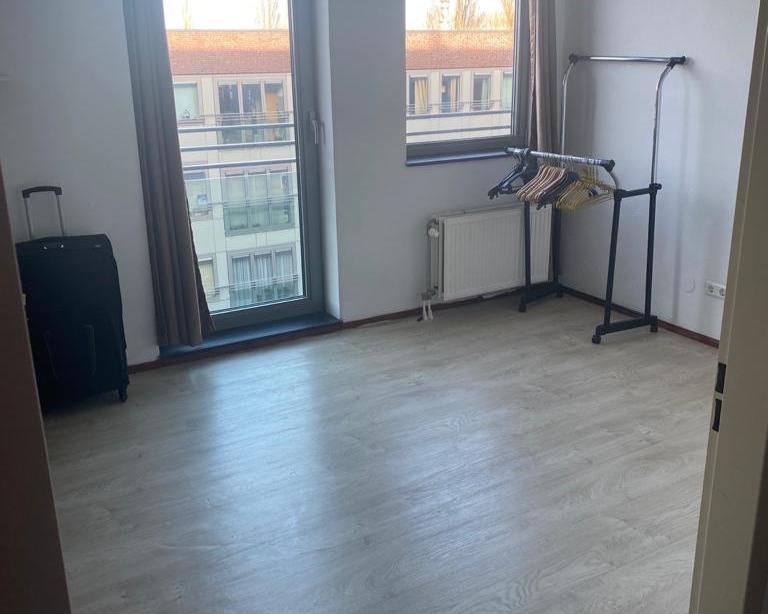 Kamer te huur aan de Hoofdweg in Amsterdam
