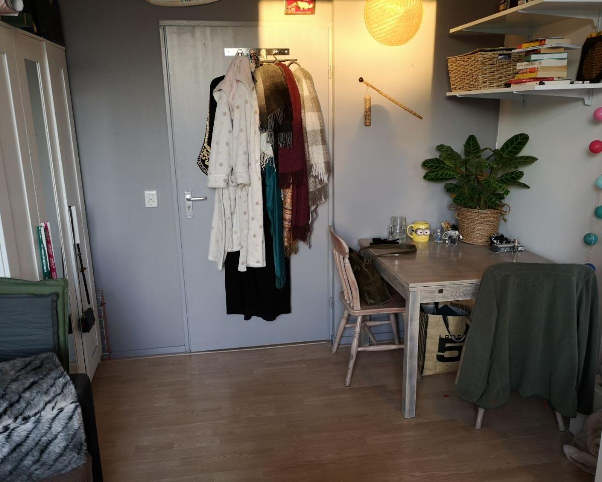 Kamer te huur in de Boezemstraat in Rotterdam