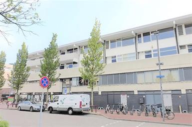 Kamer in Amstelveen, Buitenplein op Kamernet.nl:  Prachtig ruim en licht 3 kamer appartement met balkon!