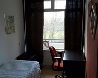 Kamer in Haarlem, Schotlandstraat op Kamernet.nl: Leuke kamer met mooi uitzicht!