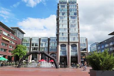 Kamer in Amstelveen, Stadsplein op Kamernet.nl: Ruim en licht 3 kamer appartement met balkon, lift en openhaard.