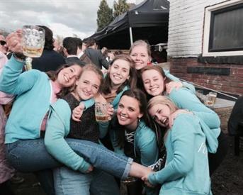 Kamer in Enschede, Korte Hengelosestraat op Kamernet.nl: Actief vrouwenhuis in hartje Enschede