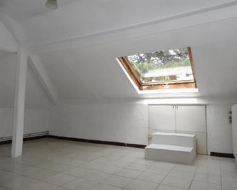 Kamer in Maastricht, Tongerseweg op Kamernet.nl: Grote ruime studenten kamer op 1E verdieping