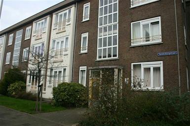Kamer in Den Haag, Sandenburgstraat op Kamernet.nl: Ruim Appartement Volledig Gestoffeerd