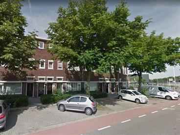 Kamer in Den Bosch, Parallelweg op Kamernet.nl: Geheel inpandig gerenoveerde bovenwoning met dakterras en balkon