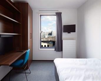 Kamer in Amsterdam, Jan van Galenstraat op Kamernet.nl: Student Hotel West standard room