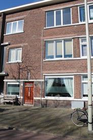 Kamer in Den Haag, Mient op Kamernet.nl: Nieuw gerenoveerde 3/4 kamer beganegrondwoning