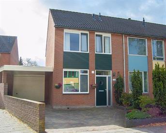 Kamer in Enschede, Hanenberglanden op Kamernet.nl: Te huur kamer in prachtige hoekwoning met garage