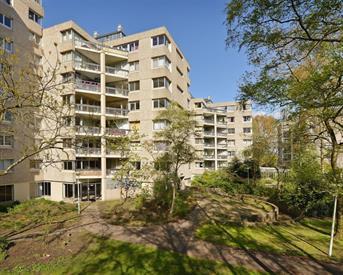 Kamer in Amsterdam, Gouden Leeuw op Kamernet.nl: Gerenoveerd ruim 4 slaapkamer appartement