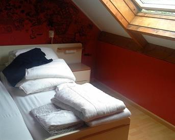 Kamer in Tilburg, Hoevelakenstraat op Kamernet.nl: Tijdelijke slaapplek
