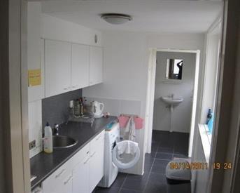 Kamer in Tilburg, Merelstraat op Kamernet.nl:  kamer op 1e verdieping in net studentenhuis