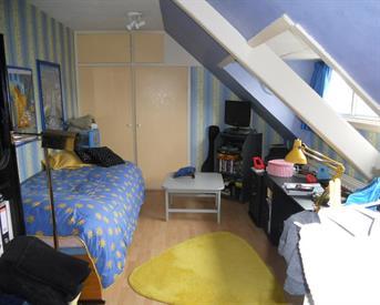 Kamer in Wassenaar, Narcislaan op Kamernet.nl: Ruime gemeubileerde kamer 28m2