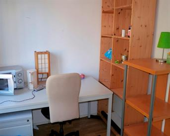 Kamer in Enschede, Ceramstraat op Kamernet.nl: Gemeubileerde kamer voor rustige student