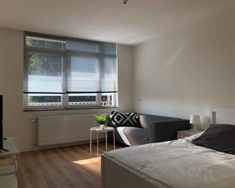 Kamer in Amsterdam, Slotermeerlaan op Kamernet.nl: Volledig gerenoveerde appartement Slotermeerlaan