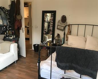 Kamer aan Van Woustraat in Amsterdam