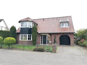 Kamer in Enschede, Park Broekheurne op Kamernet.nl: Ruime, vrijstaande woning met garage en oprit