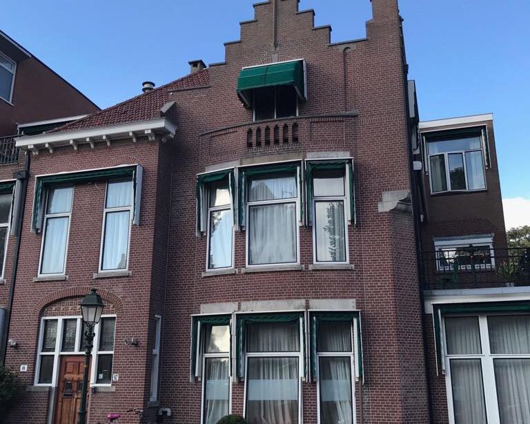 Anti-kraak aan Johan van Oldenbarneveltlaan in Den Haag