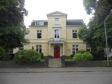 Kamer in Hilversum, Koninginneweg op Kamernet.nl: Beneden appartement op unieke plek