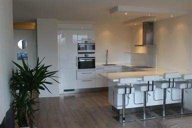 Kamer in Amsterdam, Pieter Calandlaan op Kamernet.nl: Appartement met ruime en lichte woonkamer