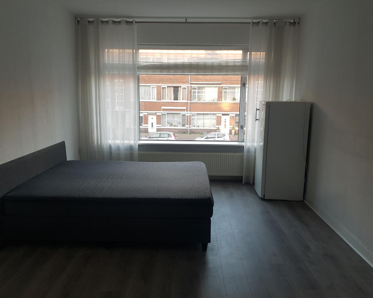 Kamer te huur in de De Genestetlaan in Den Haag